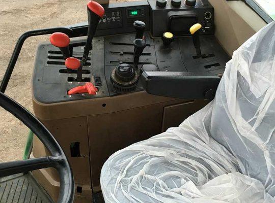 interior-tractor