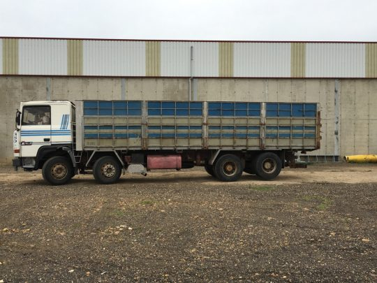 Camion Renault R380